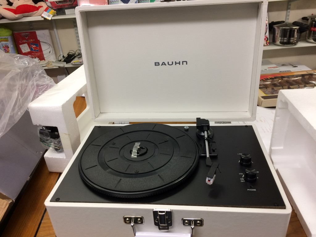 bauhm-stereo-record-player-turn-table-inside-view